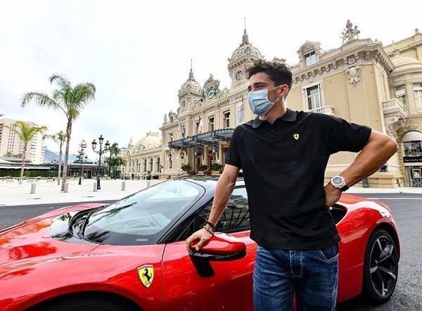 Leclerc jezdil po Monaku rychlostí 240 km/h
