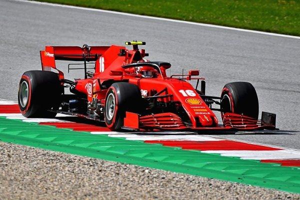 Ferrari ztratilo na rovinkách 0,7 sekundy