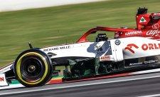 Dva Räikkönenovy zářezy