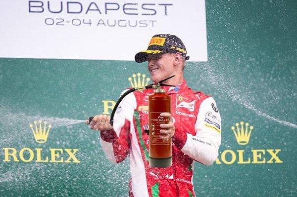 Schumacher si ještě nezasloužil místo ve F1