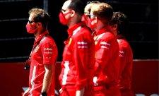 Vettela překvapilo, že nedostane smlouvu