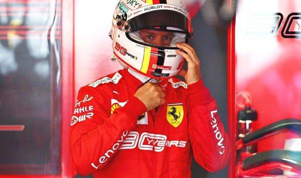 Vettel si příteli o místo neřekl