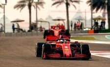 Vettel se rozloučil rundou piv