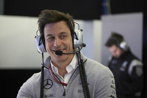 V Mercedesu vše spěje k novým smlouvám