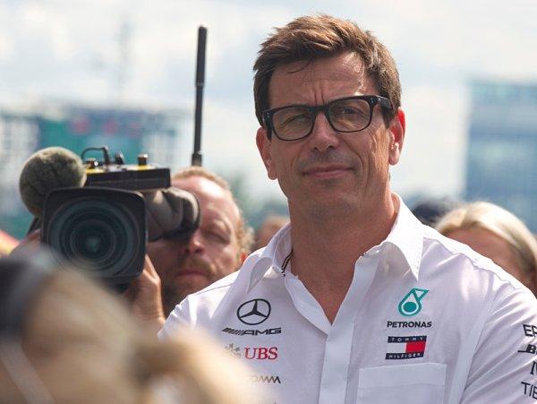 Wolff deklaroval věrnost Mercedesu