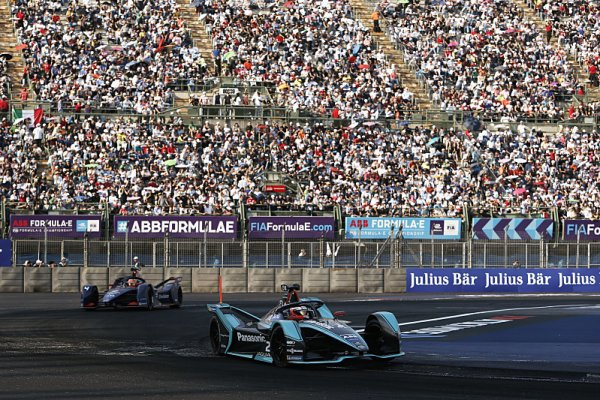 Formule E chce letos závodit před diváky