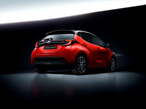 Evropským Autem roku je Toyota Yaris