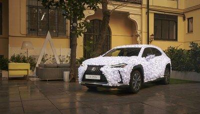 Lexus jako květinová zahrada