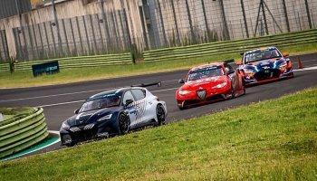 Azcona s cuprou je prvním vítězem v Pure ETCR