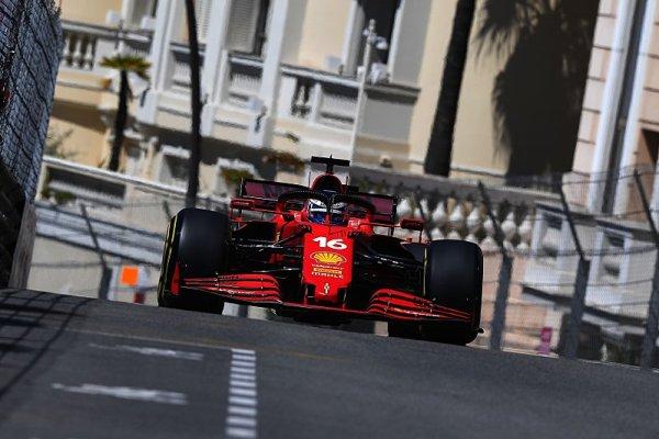 Ve druhém tréninku kralovalo Ferrari