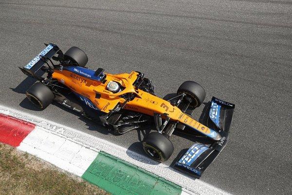 Překvapivé dvojité vítězství pro McLaren, na nejvyšším stupni Ricciardo