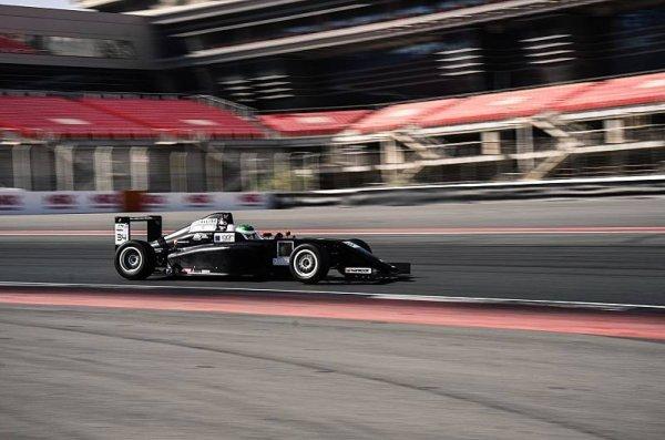 Trulli se stal šampionem arabskoemirátské F4