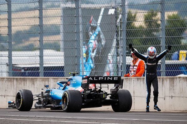 Hungaroring přinesl překvapivé vítězství Ocona