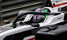Rakouský víkend skončil vítězně pro juniora Mercedesu