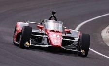O vítězství v Indy500 se pere 35 jezdců
