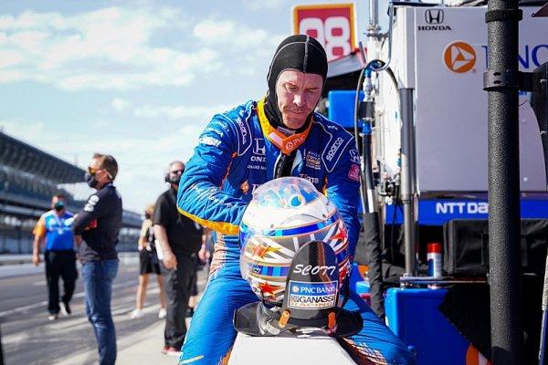 Dixon nejrychlejší, Power se první den nekvalifikoval