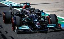 Hamilton byl nejrychlejší, první ale odstartuje Bottas