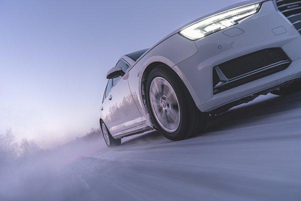 Pneumatika s hroty už i pro elektromobily