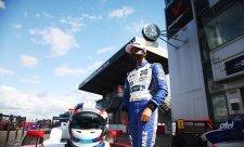 Villagomez přechází do FIA F3
