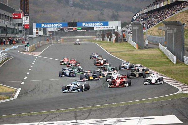 Sezonu Super Formule zahájil vítězně Nodžiri