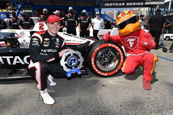 Newgarden získal pole position a cenný bonusový bod