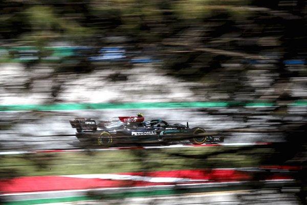 Mercedesy v pohodě, Verstappen je nezlobil