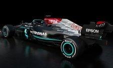 Mercedes odhalil W12