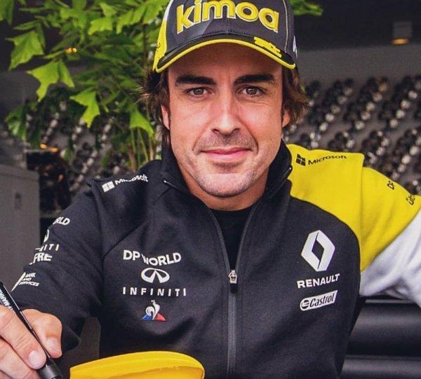Alonso nestihne představení vozu