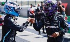 Hamilton chce v týmu Bottase