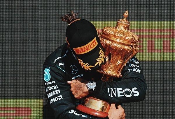 Verstappen měl nechat prostor, míní Hamilton