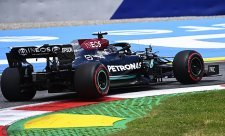 Hamilton doplatil na strategii Mercedesu