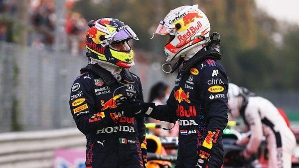 Pérez se obětoval ve prospěch Verstappena