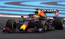 Red Bull přechytračil Mercedes, Hamiltona nikdo neposlouchal