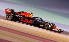 Verstappen nadále ukazuje Mercedesu záda