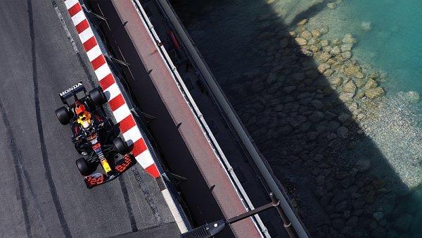 Verstappen přišel o největšího soupeře už před startem