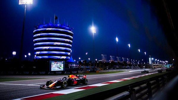 Verstappen viní stratégy Red Bullu