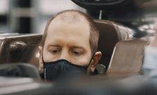 V Nizozemsku začal nejlépe Hamilton, Vettelův vůz hořel
